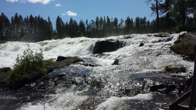 Forsränning Piteälven På Land och Vatten